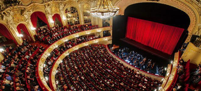 190305 Kalenderseite Komische Oper (GG)