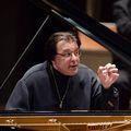 Berlin: Benefizkonzert mit Tschaikowsky und Beethoven im Großen Saal der Philharmonie