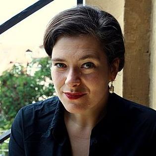 Nora Gomringer: Gedichte aus/auf Netzhaut