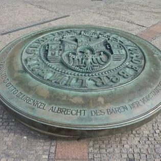 art:berlin - Bären, Adler, Krögel, Kreuze
