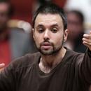 Constantinos Carydis dirigiert Mozart und Schostakowitsch