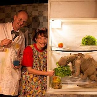 Ein Dinosaurier im Kühlschrank