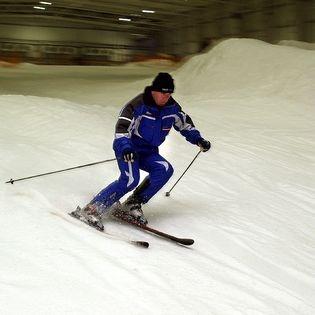 1 Stunde Skispaß in der Skihalle Snowtropolis