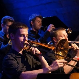Bigbandsound trifft auf Orchesterlyrik