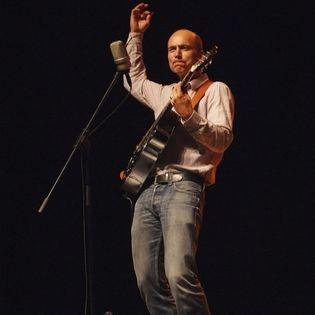 Oliver Steller spricht und singt Gedichte für Kinder