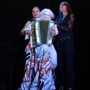 AnniKa von Trier alias «singende Tellermiene»