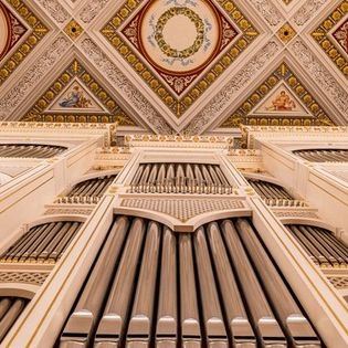 Organo con stromenti