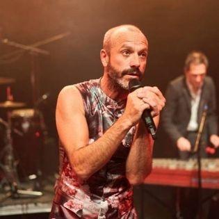 Jan Plewka singt Ton Steine Scherben